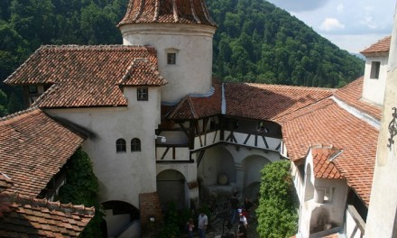 The town of Bran and the Dracula castle