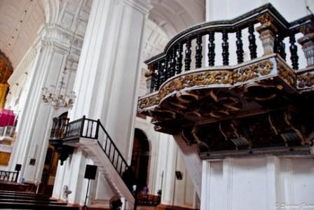 Se Cathedral Pillars