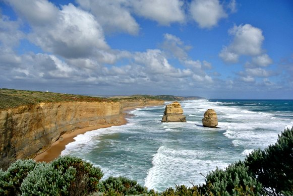 Visiting the Almost Twelve Apostles in South Victoria