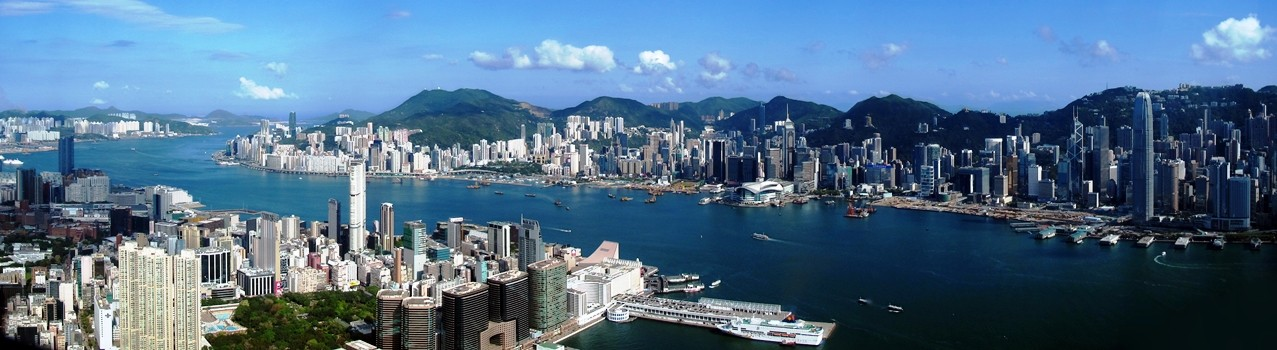 Hong_Kong_Victoria_Harbour_Pano_View_from_ICC_201105